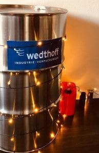 Gefahrgutverpackungen mal anders. Moderne Weihnachtsdeko by WEDTHOFF Industrieverpackungen